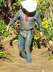 55 WS Notice my keyring & pocket knife off chain (wranglerswimmer) Tags: wet cowboy wranglers wallowing mudbath swimmingfullyclothed creekswimming guysinwetjeans wetcowboy mudwallow wetcowboyboots wetwranglerjeans
