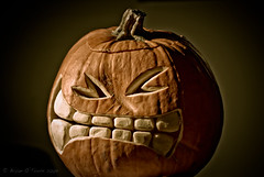 Face Punch (Bryan O'Toole) Tags: halloween pumpkin nikon jackolantern sb600 carving pumpkincarving nikkor50mmf18 cls nikoncls nikond80 halloween2009 pumpkincarving2009