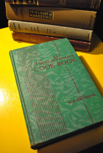 Vintage 1940 The American Woman's Cook Book