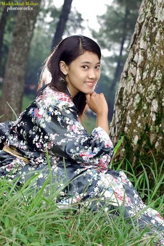 Fotografer Pernikahan Pre Wedding: Foto Model Geisha Dengan Gaun Kimono (FC-Full Color