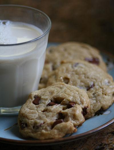 Vegan choc chip cookies w/ soy milk