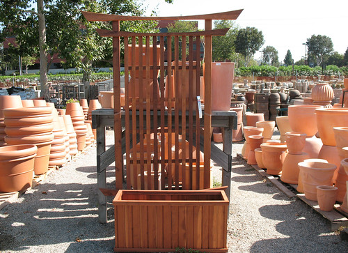 zen trellis and containers