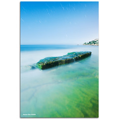 A lonely rock in the sea (476 sec) (alonsodr) Tags: longexposure sea seascape beach marina landscape mar andaluca nightshot sony playa paisaje estrellas nocturna alpha cdiz alonso startrails zaharadelosatunes carlzeiss largaexposicin playadelosalemanes a900 estelas alonsodr aplusphoto platinumheartaward alonsodaz cz1635mm