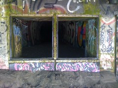 Tunnel of Art (kentbrew) Tags: graffiti fortfunston