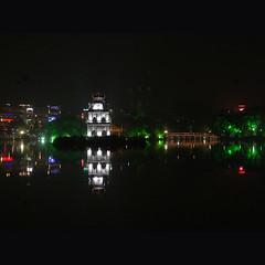 The heart of Hà Nội (NaPix -- (Time out)) Tags: lake reflection night square pagoda nightscape nightshot millennium vietnam celebration hanoi 500x500 swordlake hànội hồhoànkiếm thănglong napix