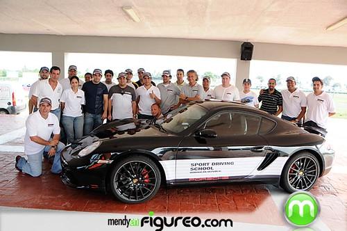 Miembros de la Porsche dominicana