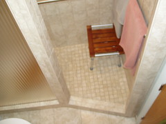 Alvarez doorless shower