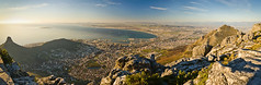Last light on Cape Town (Justin Koning) Tags: africa panorama southafrica capetown tablemountain westerncape smcpentaxda1855mmf3556al sanationalparks juli2009 tablemountainnp