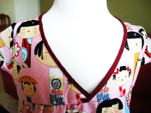 Kimono-printed-dress---neck
