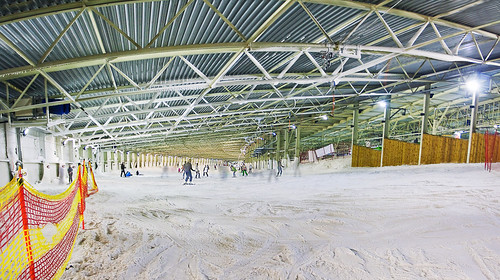 Indoor skiing