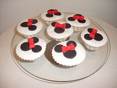 Cupcakes minnie (Isabel Casimiro) Tags: cake christening playstation bolos bolosartisticos bolosdecorados bolopirataecupcakes bolopirata bolosdeaniversrocakedesign bolosparamenina bolosparamenino