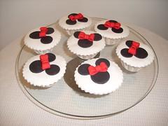 Cupcakes minnie (Isabel Casimiro) Tags: cake christening playstation bolos bolosartisticos bolosdecorados bolopirataecupcakes bolopirata bolosdeaniversárocakedesign bolosparamenina bolosparamenino