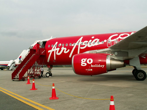 An Air Asia plane on the runway. Photo: Auswandern Malaysia / Flickr Creative Commons