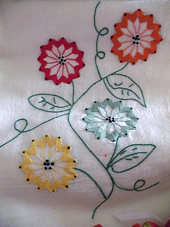 DSCF276Ric-Rac Flower Dish Towels