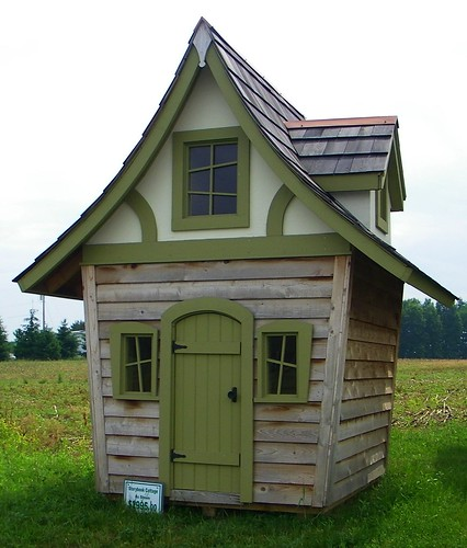 Garden Sheds That Look Like Houses shedlast: quirky garden sheds