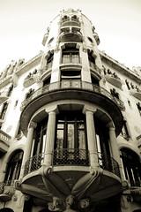. ([ZicoCarioca]) Tags: barcelona city building sepia contrast photography photo arquitectura foto photographie image geometry bcn edificio ciudad images symmetry photograph contraste carioca grcia zico archiecture imagery ciutat simetra geometra casafuster zicocarioca