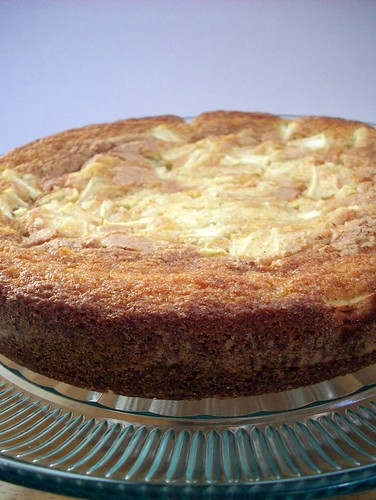 Apple buttermilk cake