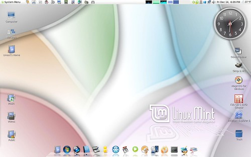 4144539621 909b8c6e9a Download 20+ Cool Themes For Ubuntu Linux