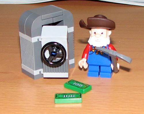 2010 LEGO Toy Story 7594 Woody's Roundup