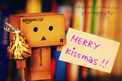Merry Kissmas!! (chai*) Tags: christmas new happy year merry merrychristmas iknowthisisaverybadchristmasphotoarrrihavenothingaboutchristmashereinmyhomehopefullyiwouldcreateabettershotforyouallinthenewyearp iloveyouallmydearflickrfriends youhaveawesomepicshappynewyearmyfriend