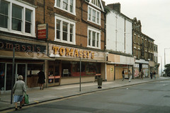 Tomassi`s, Southend-on-Sea. Sep 1985 (piktaker) Tags: uk restaurant essex southend southendhighstreet southendonsea cotgrove tomassis