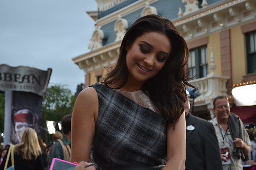 Shay Mitchell on the Pirates of the Caribbean: On Stranger Tides Black Carpet