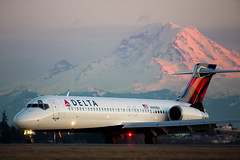2017_02_12 KSEA stock-80 (jplphoto2) Tags: 717 717200 boeing717 deltaairlines deltaairlines717200 jdlmultimedia jeremydwyerlindgren ksea mtrainier n989dn sea seattletacomainternationalairport aircraft airline airplane airport aviation