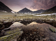 Rondane - Night Vision (Seung Kye Lee - Fine Art Landscape Photography) Tags: copyright lake mountains nature norway landscape nationalpark searchthebest hiking fineart  lee canon5d peaks seung steet rondane beforesunset kye veslesmeden flickrsbest specnature singhray canonef1740mmf4 leefilters superaplus theunforgettablepictures theperfectphotographer wwwleeseungkyecom absolutelystunningscapes storsmeden landskapsfotograf kaldbekkbotn langholbandet smedbandet nasjonalparker copyrightseungkyelee bilderrondane
