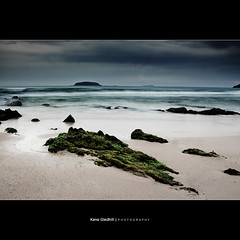 Sandy Beach, NSW, Australia (South West Solitary Island) ([ Kane ]) Tags: ocean sea green islands moss marine rocks australia nsw kane sands solitary sandybeach coffs coffsharbour greenmoss gledhill 50d solitaryislandsmarinepark kanegledhill coffstripnsw wwwhumanhabitscomau kanegledhillphotography