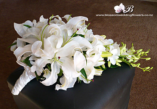 lily-orchid-cascade