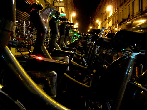 Les Vélibs by night