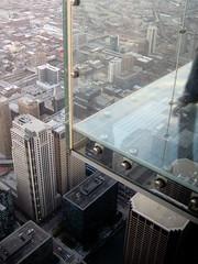 Glass Floor At Willis Tower (Sears Tower) ({ paul hammond }) Tags: chicago searstower skydeck glassfloor 1353ft willistower agile2009