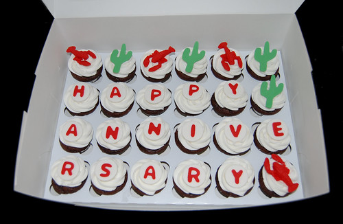 cactus and lobster anniversary surprise cupcake delivery