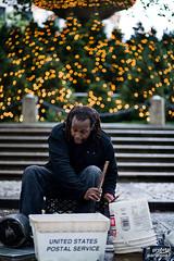 NYC bonus shots (1/2) (Profeta/Paranoia) Tags: street nyc portrait usa streetart newyork man guy canon lights luces retrato centralpark 85mm porträt drummer 5d f18 18 85 hombre nuevayork artecallejero baterista 85mmf18 streetdrummer lichts sujeto mensh fwo8518 bateristacallejero