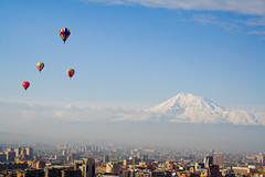 Balloons,Mount Ararat and Armenian Capital City ,Yerevan (Lea_from_Armenia) Tags: city blue sky mountain snow colour building church balloons fly apartment balloon mount capitol armenia yerevan sar citta armenian masis ararat armenien caucas armenie caucasia erevan jerevan   hayastan armenienne hayasdan armenisch