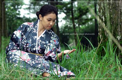 Foto Model Geisha dengan Gaun Kimono Jepang #1