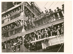 Troopships depart Sydney, 9-10 January 1940, by Sam Hood (State Library of New South Wales collection) Tags: ship australianarmy aif troopship australianimperialforce 6thdivision 2ndaif secondaustralianimperialforce 2ndaustralianimperialforce sixthdivision