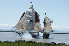 Hawaiian Chieftain (Zorro1968) Tags: art river ships stock shore cannon fraser tallship artforsale steveston gunbattle hawaiianchieftain vancouverboatsailing