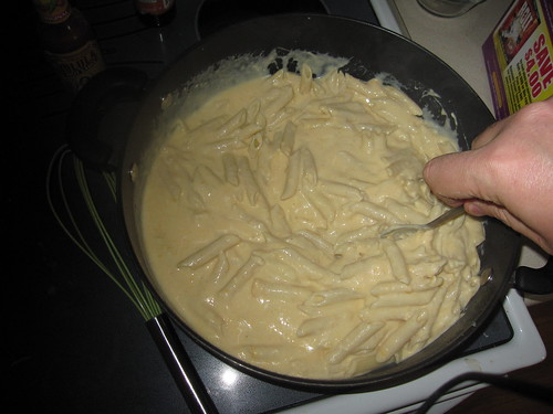 Cheese sauce and penne