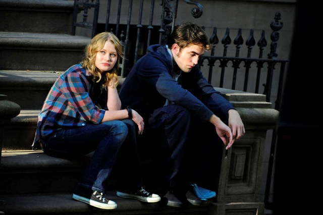Remember Me Robert Pattinson y Emilie de Ravin