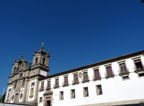 Igreja e pousada da Costa
