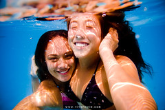 ashley&alyssa (SARA LEE) Tags: girls friends sunlight reflection cute smile hawaii underwater alyssa ashley bubbles refraction noon colourful sup ashleyh lymans sarahlee aliidrive hypr ewamarine legothenego standuppaddle alyssaf vivantvie