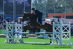 Prado 2009 - Pruebas salto (pentaxkveinted-uy) Tags: rural caballos prado gauchos monta equinos criollos arabes peones