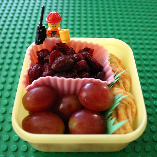 Kindergarten Snack #14: September 22, 2009