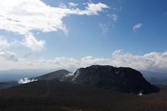 そそり立つ溶岩ドーム