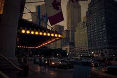 DSC_2127 (Marion Vitus) Tags: street nyc cars lights dusk flag plazahotel upshot