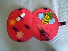 Joaninha_interior (Mónica [Artes MR]) Tags: artesanato feltro bolsa molde joaninha costura