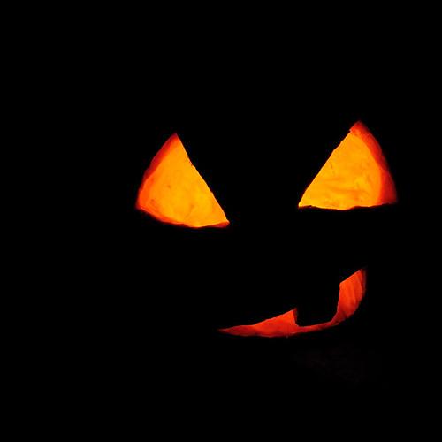 Helyedre, szellem! / Back, ghost!