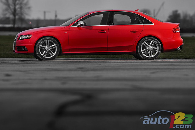 red canada rouge automobile montreal transport transportation vehicle motor audi automobiles s4 2010 auto123 philippechampoux canadianautomotivenetwork