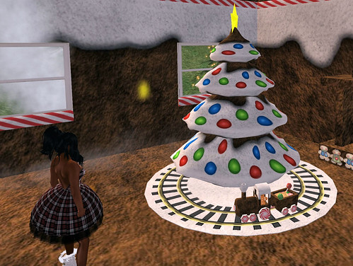 Crossroad Dreams Gingerbread train and tree inside the Gingerbread house